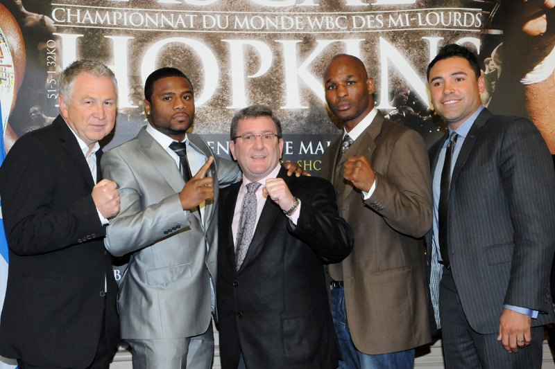 (From left to right) GYM President/GM Yvon Michel, WBC and Ring Magazine Light Heavyweight World Champion Jean Pascal, Mayor of Quebec City, former Two-Division World Champion Bernard Hopkins and President of Golden Boy Promotions Oscar de la Hoya