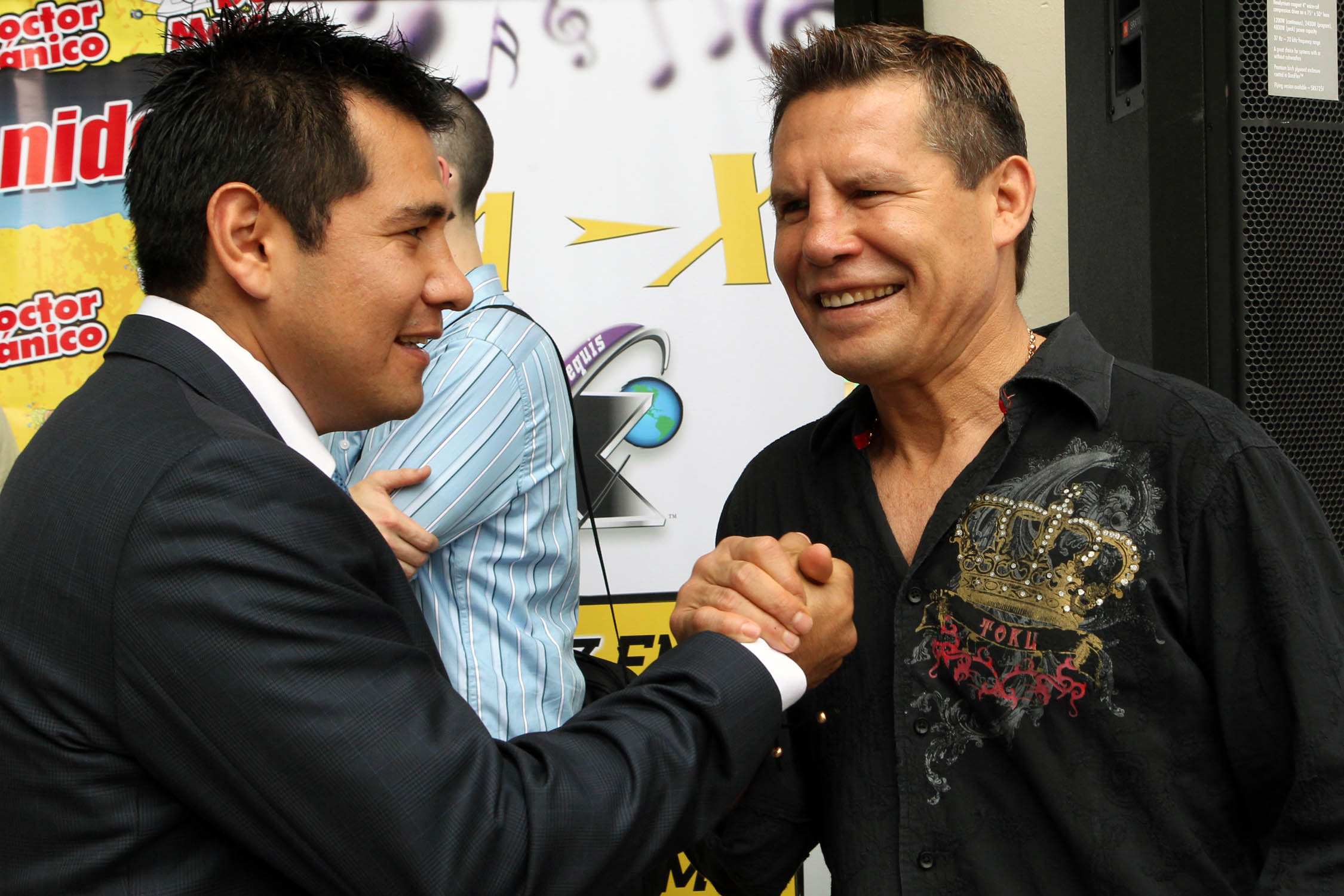 Marco Antonio Barrera (left) and Julio Cesar Chavez. Photo taken on April 15, 2011 by Tom Casino/Showtime