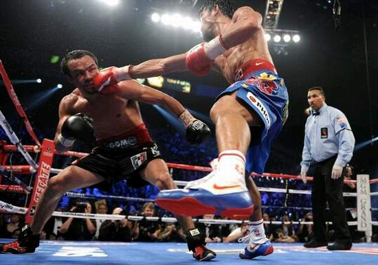 Floyd Mayweather Vs Manny Pacquiao Fight LIVE Follow Round MGM Grand Las Vegas besides X5omij8 moreover 50 Cent Se Moque De Floyd Mayweather Nelly A Vole Votre Femme moreover Do The Dew Nike Sneakers together with Cinco De Mayo Top 10 Fights. on oscar de la hoya vs floyd mayweather shoes